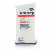Medicomp gaaskompres nonwoven 4-laags 5x5cm